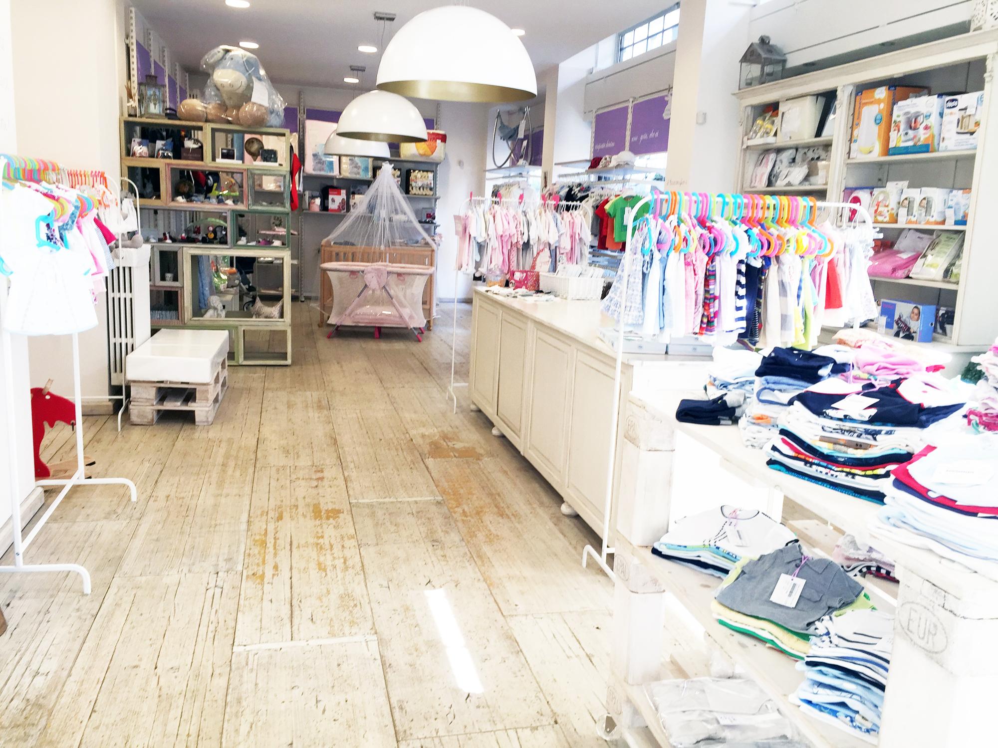 Il bianconiglio la boutique dell usato per bambini for Mercatino usato mobili milano