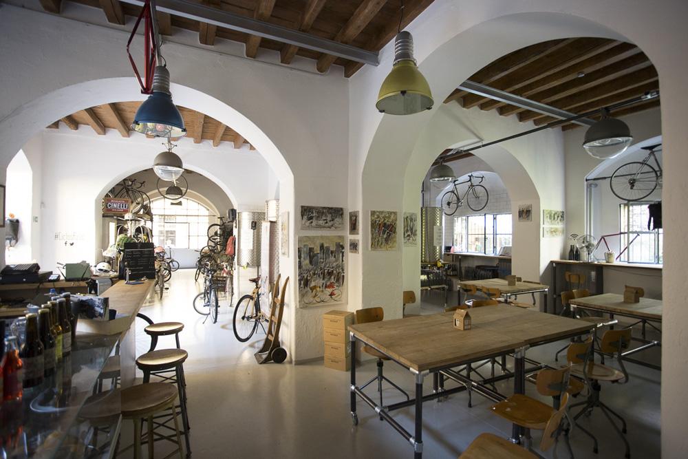 Ciclosfuso bici e vino stanno bene insieme - Trattoria con giardino milano ...